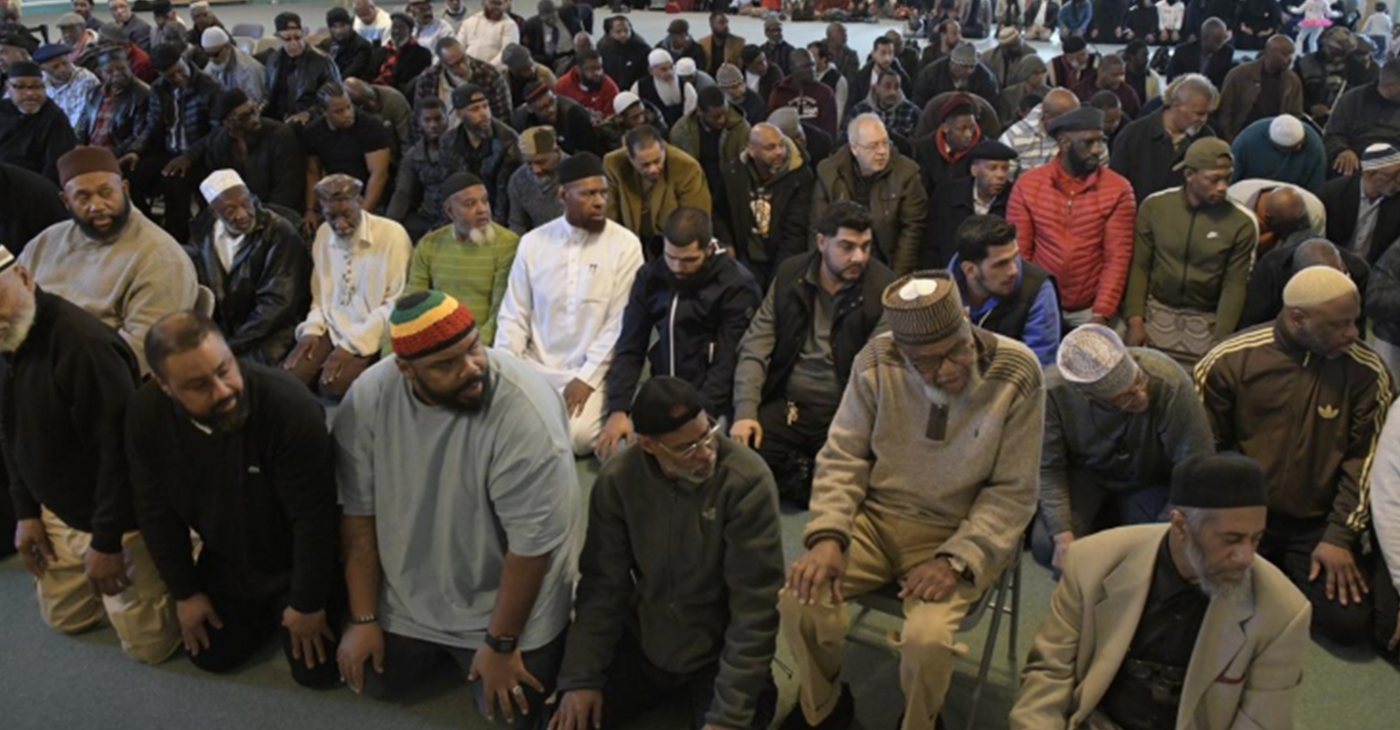 The congregation at The Philadelphia Masjid, Inc. (Photo by: Abdul R. Sulayman | Tribune Chief Photographer)
