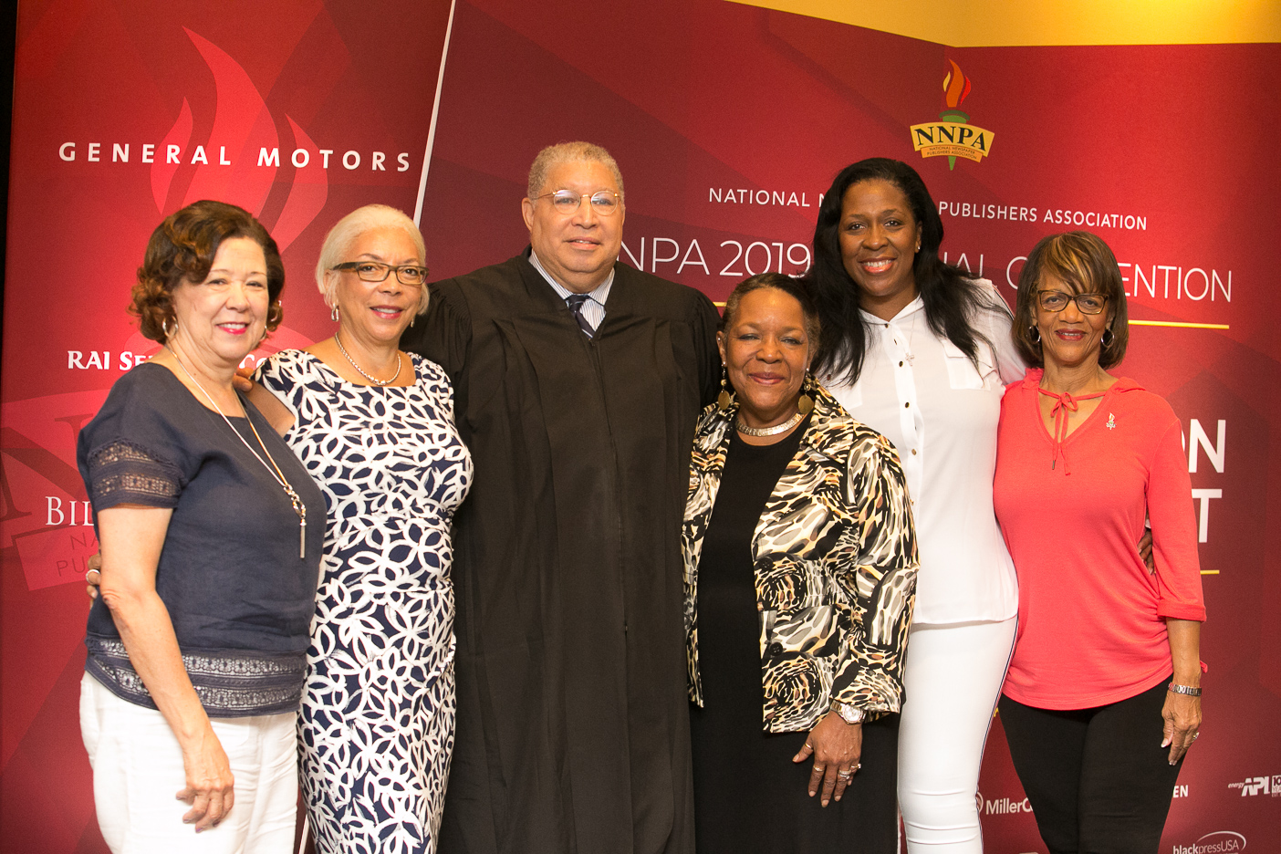 Newly elected NNPA Board Members following the ceremonial swearing in of new officers. (Pictured left to right: Treasurer Brenda Andrews, Publisher of the New Journal and Guide; 1st Vice Chair Janis Ware, Publisher of The Atlanta Voice; Judge Tyrone K. Yates, who officiated the swearing in of officers; 2nd Vice Chair, Fran Farrer, Publisher of The County News; Chair of the NNPA, Karen Carter Richards, Publisher of the Houston Forward Times; Secretary: Jackie Hampton, Publisher of The Mississippi Link