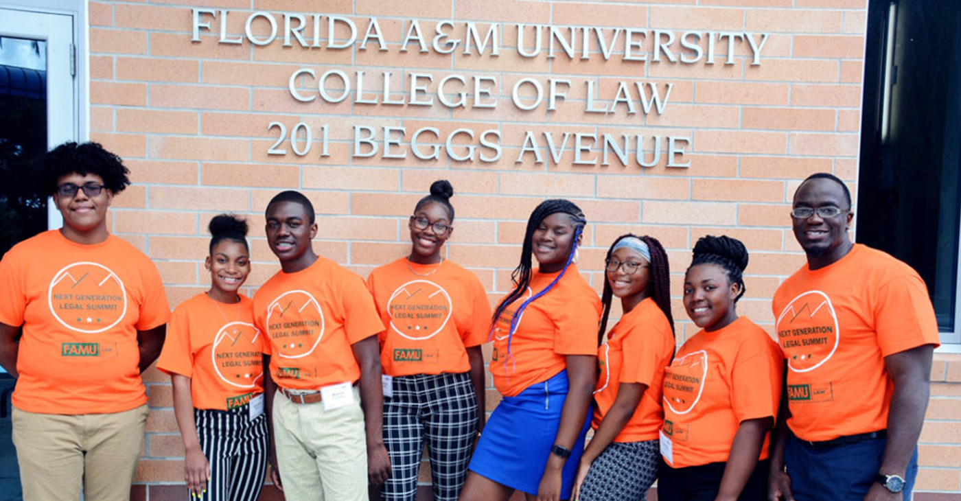 Students from Jones High School in Orlando visit the law school.