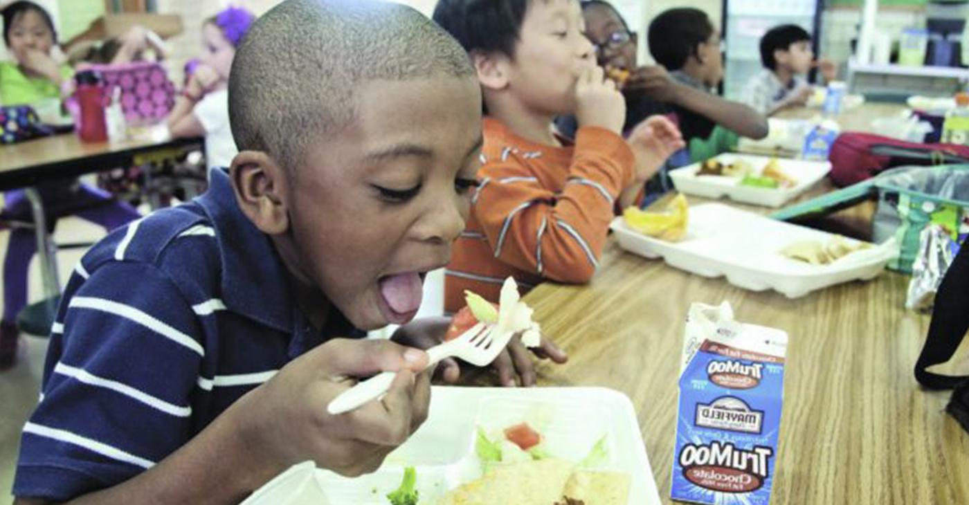 School lunch (Photo courtesy of EdSource by Amanda Mills | Pixnio)