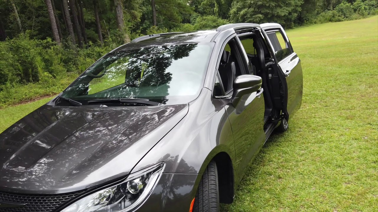 Free Detailed Walkaround 2019 Chrysler Pacifica Limited