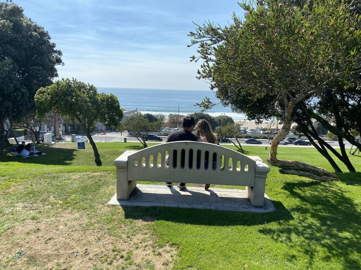 A couple enjoy the afternoon weather and scenery (Brandon I. Brooks/L.A. Sentinel)