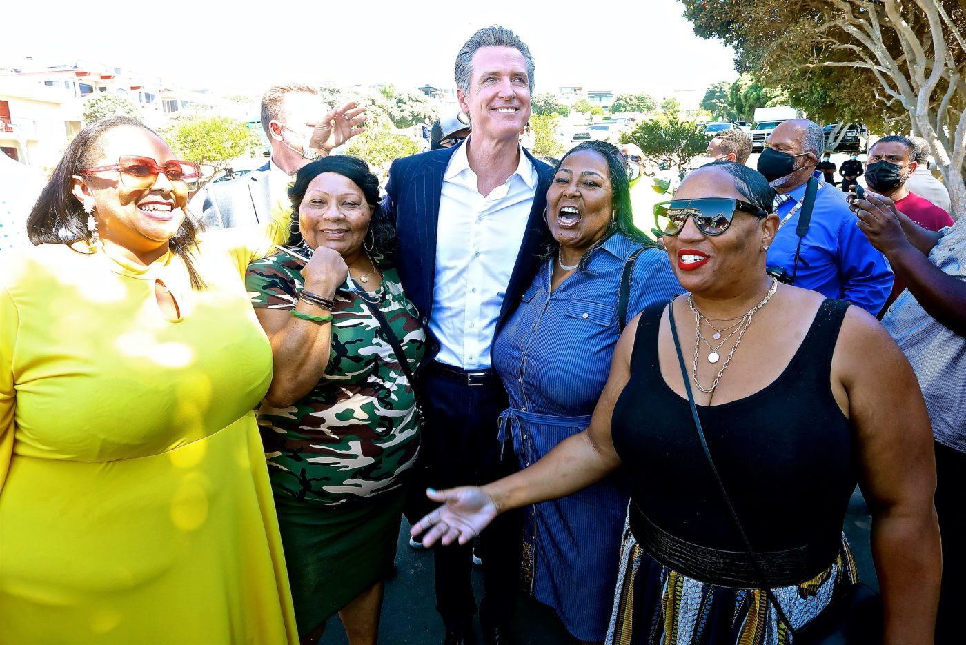 Bruce family members thank Governor Gavin Newsom for his support. (E. Mesiyah McGinnis/L.A. Sentinel)